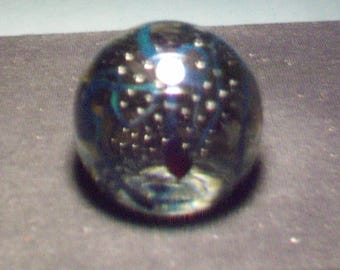 Blue Ribbon Controlled Bubble Paperweight