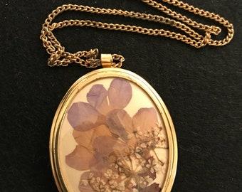 Vintage pressed flower pendant necklace boho hippie style