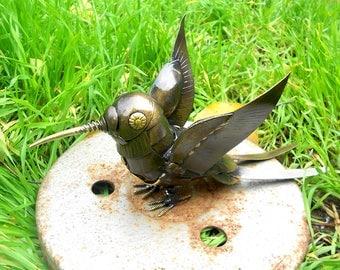 Metal sculpture Hummingbird steampunk. Mechanical Hummingbird figurine. Welded Hummingbird Metal bird. Sculpture humming-bird Steampunk bird