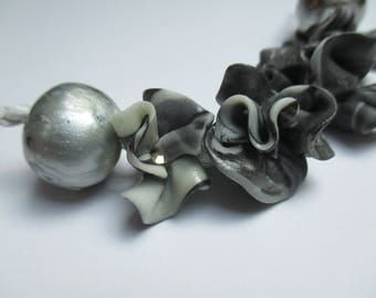 6 beads hand made polymer clay and varnished