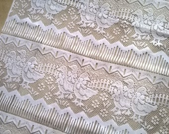 70 b) fabric for curtain or breeze kisses