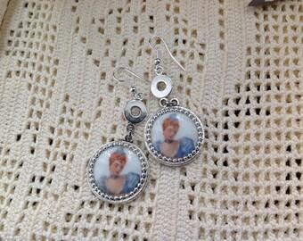 Pair of earrings cabochon antique porcelain