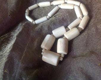 Vintage bone, very beautiful necklace invoice