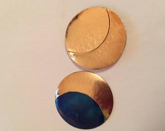 Pendant: gold tone and blue enamel, 38 mm round pendant