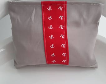 Red and gray makeup; anchors pattern