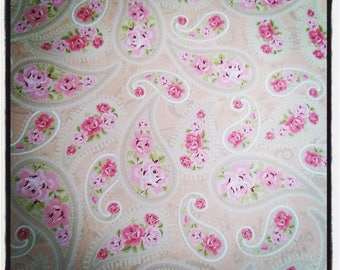 Pink decorative motifs A4 papers