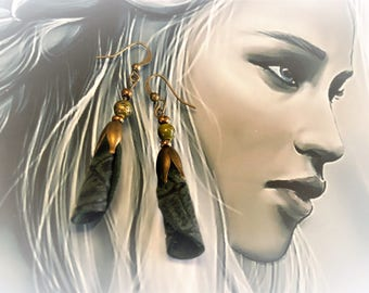 Earrings Khaleesi printed leather scales black green bronze fantasy dragon reptile