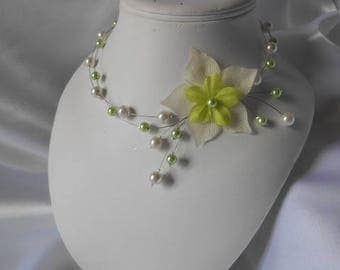"Wedding necklace ""Read"" lime green & ivory"