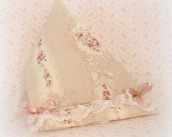 Pillow stand for tablet or eReader shabby powder pink