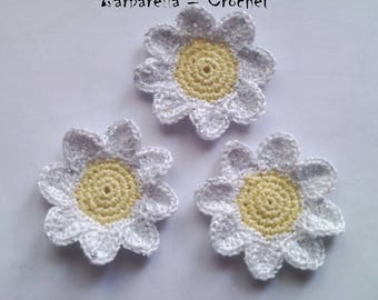 Crochet cotton yellow and white Daisy flower applique