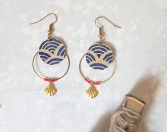 Japanese hoop earrings, gold shell and Red bead