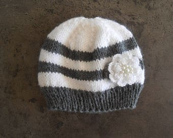 Gray and white baby flower wool hat