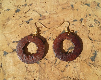 Earrings made of turned wood and texture with laurrieres botexa1 wood