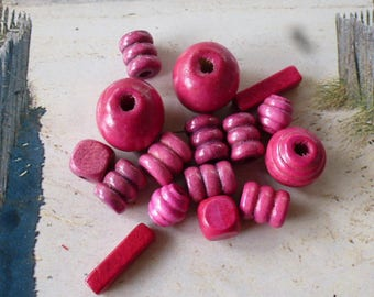 16 pink and purple wooden beads natural shape PL 127