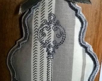 Pendant in grey and Ecru ticking
