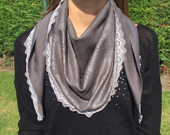 Spike trend scarf - gray effect marbled