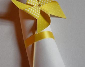 9 Moulins à vent en papier couleur au choix