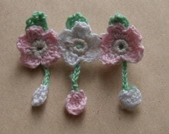 Brooch with 3 flowers