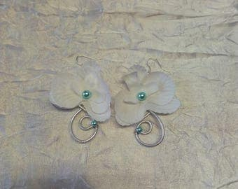 Orchid and turquoise and silver colored Wire Earrings