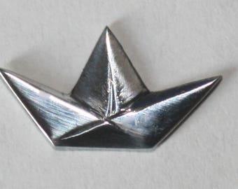 Origami Sailboat Necklace EN