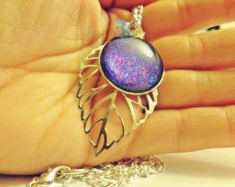 Leaf and blue/purple cabochon pendant necklace