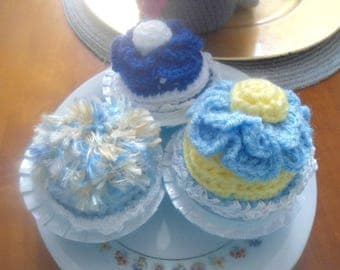 Set of three cupcakes cakes crochet handmade