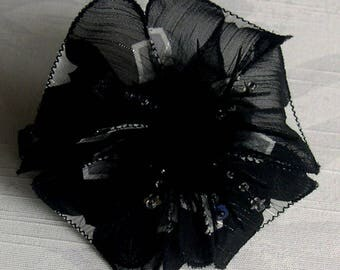 Hair clip flower fabric & feathers and pearls 007