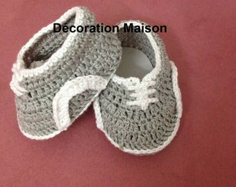 Gray boy crochet baby shoes