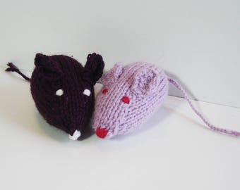 Knitted mouse - handmade - plum and purple