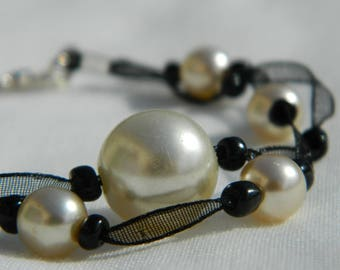 Black organza and champagne pearls bracelet