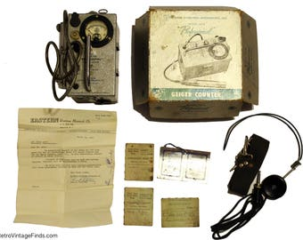 1955 Professional Model 107B Geiger Counter and Metal Locator 101 w/ Box & receipt