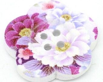 BBFL27104 - 2 flower 27 mm wooden buttons
