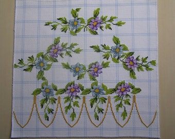 Scalloped cross stitch flower embroidery