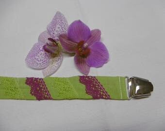 Pacifier textile cotton decorated with lace and a metal clip