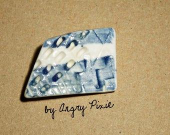 brooch ceramic blue and white form asymmetric