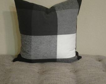 Plaid throw pillows 18x18