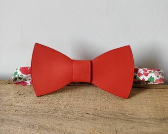 Bow tie leather poppy