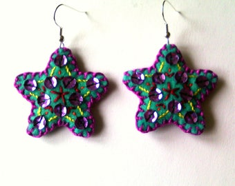 Star: embroidered earrings