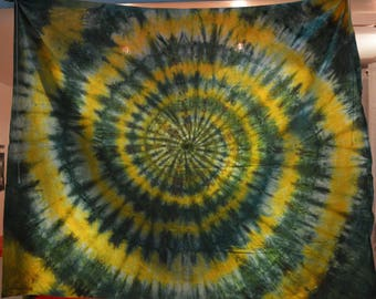 Infinite spiral, two colors: green / yellow