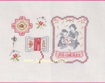 """Embroidered Point de Croix """"I embroider with MOM"""" - v pattern + Charm"""
