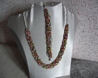 Set necklace + multicolor braided bracelet.