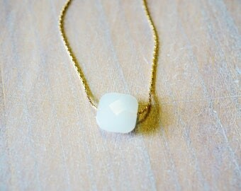 """White Opal"" Goldfilled 14 k gold necklace"