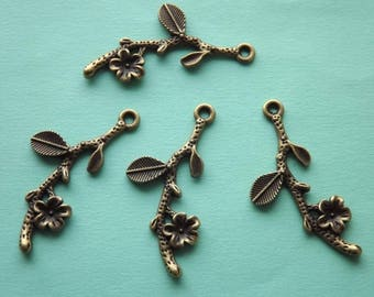 4 branches and flowers in antique bronze charms