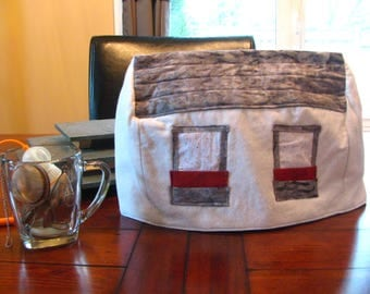Little Cabin Tea Cozy