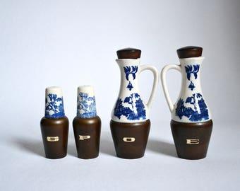 Oil / vinegar / salt shaker / pepper shaker / menage / 1960s / sixties / blue / white / wood / Hakusan Japan / mid century / modern kitchen