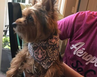 Dog Bandana (over the collar) in pink/gray Damask pattern