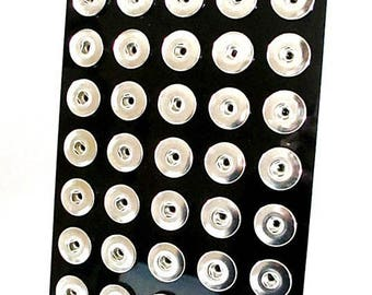 Black 40 snap chunk buttons display 16 or 18 mm
