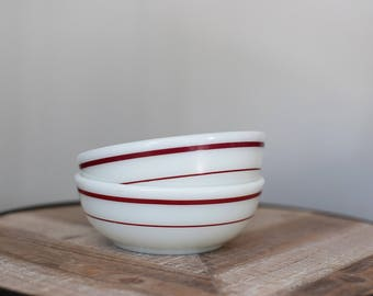 Vintage Pyrex 708 Tableware Bowls with Ruby band (set of 2)