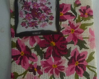 Kit canvas patterns flowers bright pink with embroidery thread