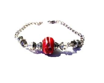 Vintage red bead patterned bracelet